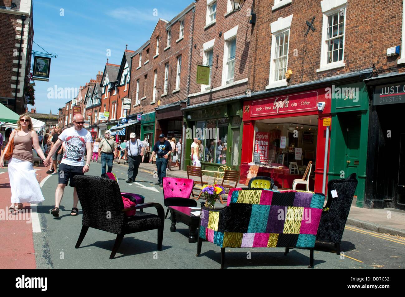 Mobili antichi, evento estivo, North Gate Street, Chester, Regno Unito Immagini Stock