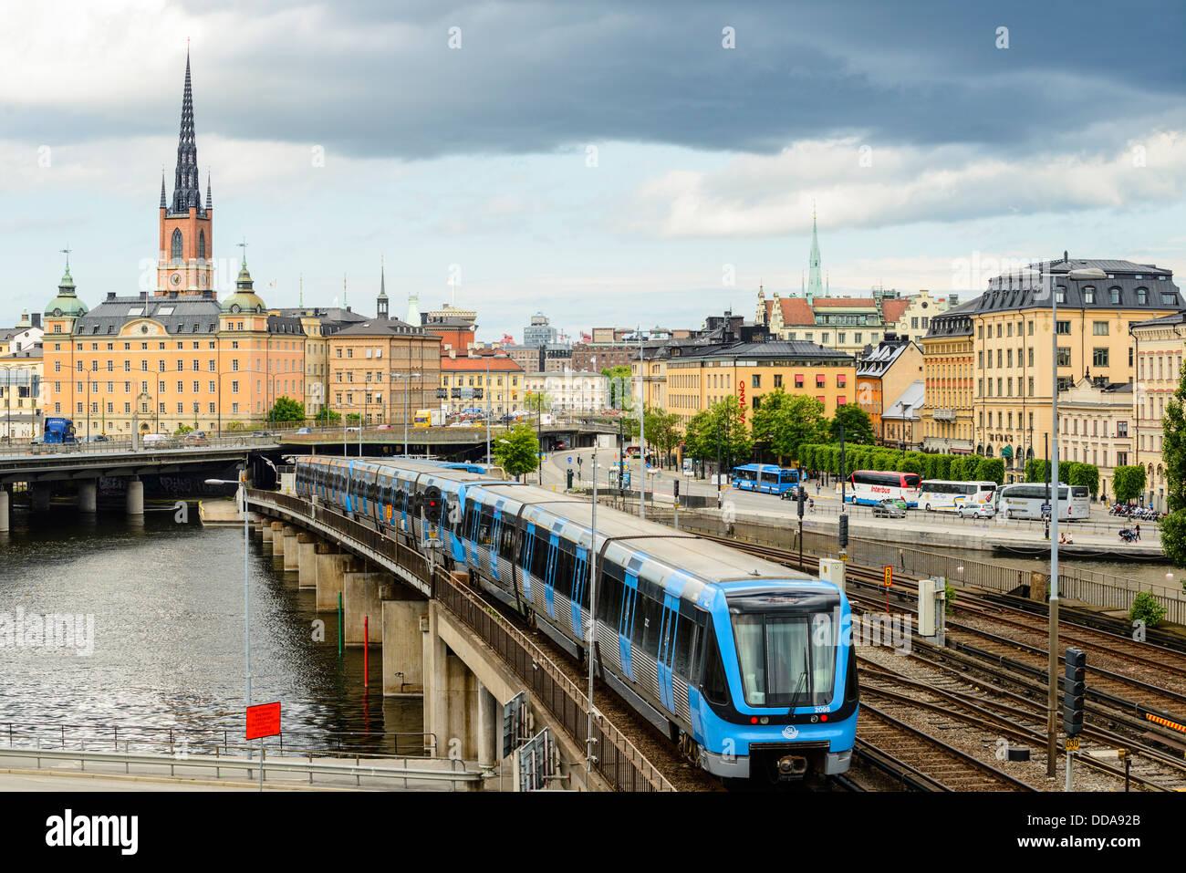 La metropolitana (T-bana) treno a Stoccolma Svezia Immagini Stock