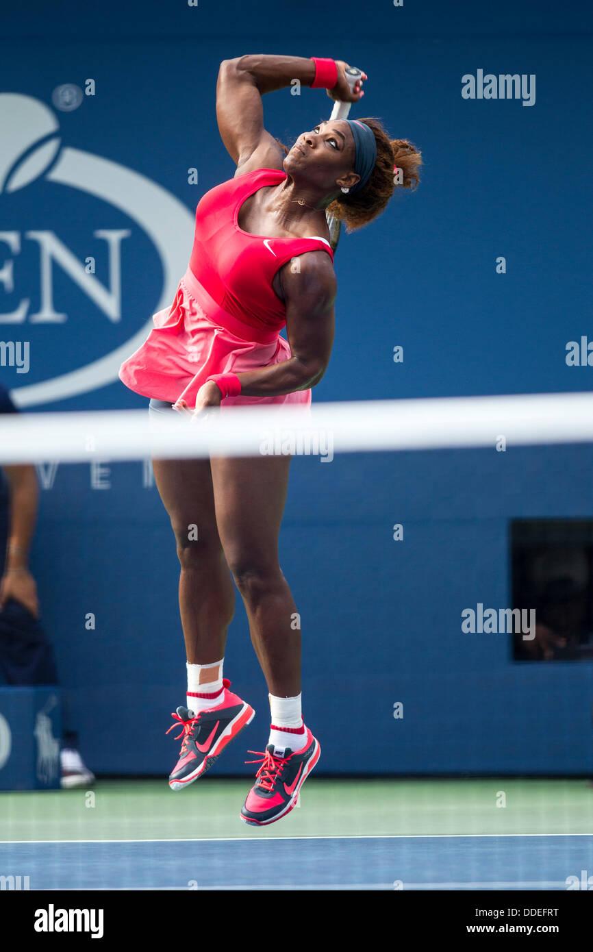 Il lavaggio Meadows-Corona Park, Queens, a New York, 01 settembre 2013 Serena Williams (USA) competono al 2013 US Foto Stock