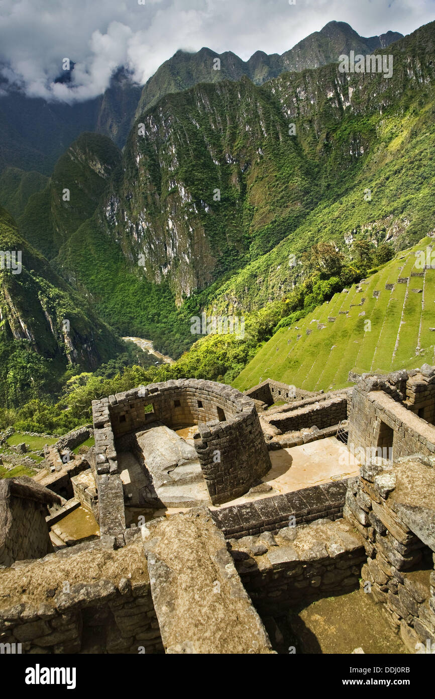 Il Tempio del Sole osservatorio astronomico, Machu Picchu città sacra dell'impero Inca, regione di Cusco, Perù Immagini Stock
