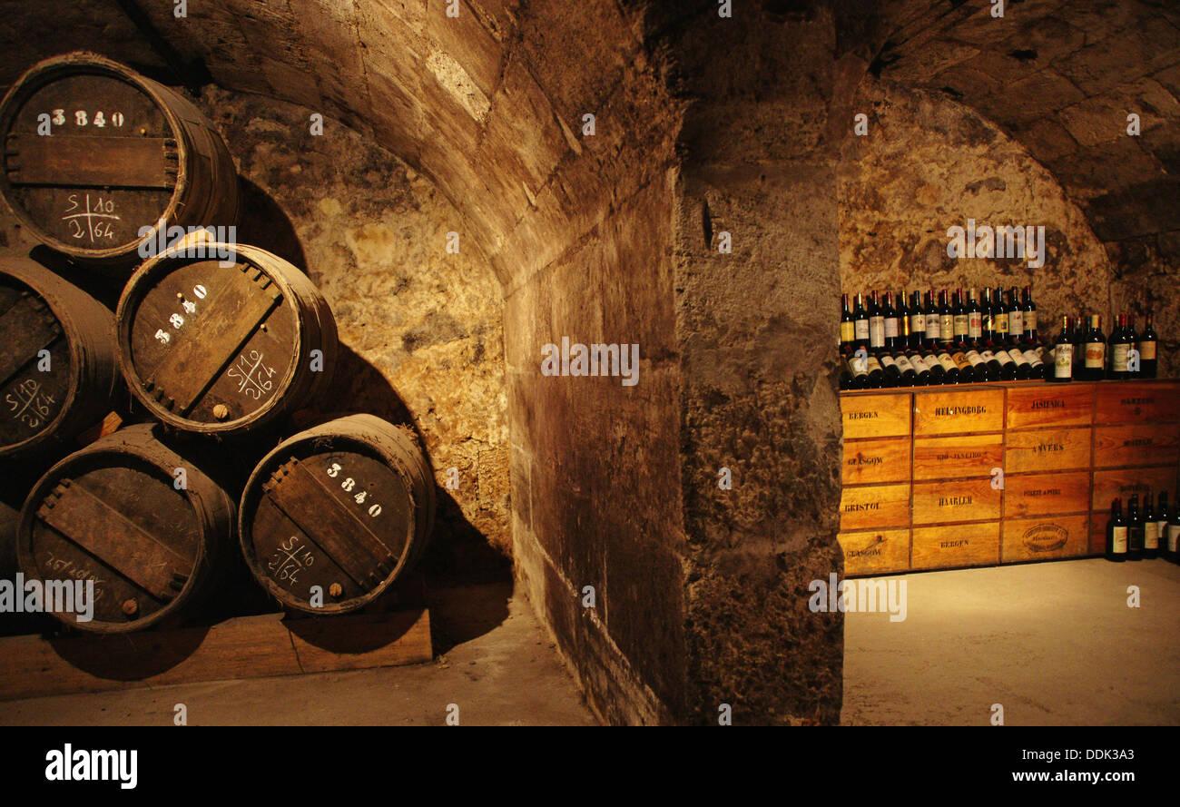 Vino e Museo del commercio in re Louis XV Royal vino edificio Broker, area Chartron, Bordeaux. Gironde, Aquitaine, Francia Immagini Stock