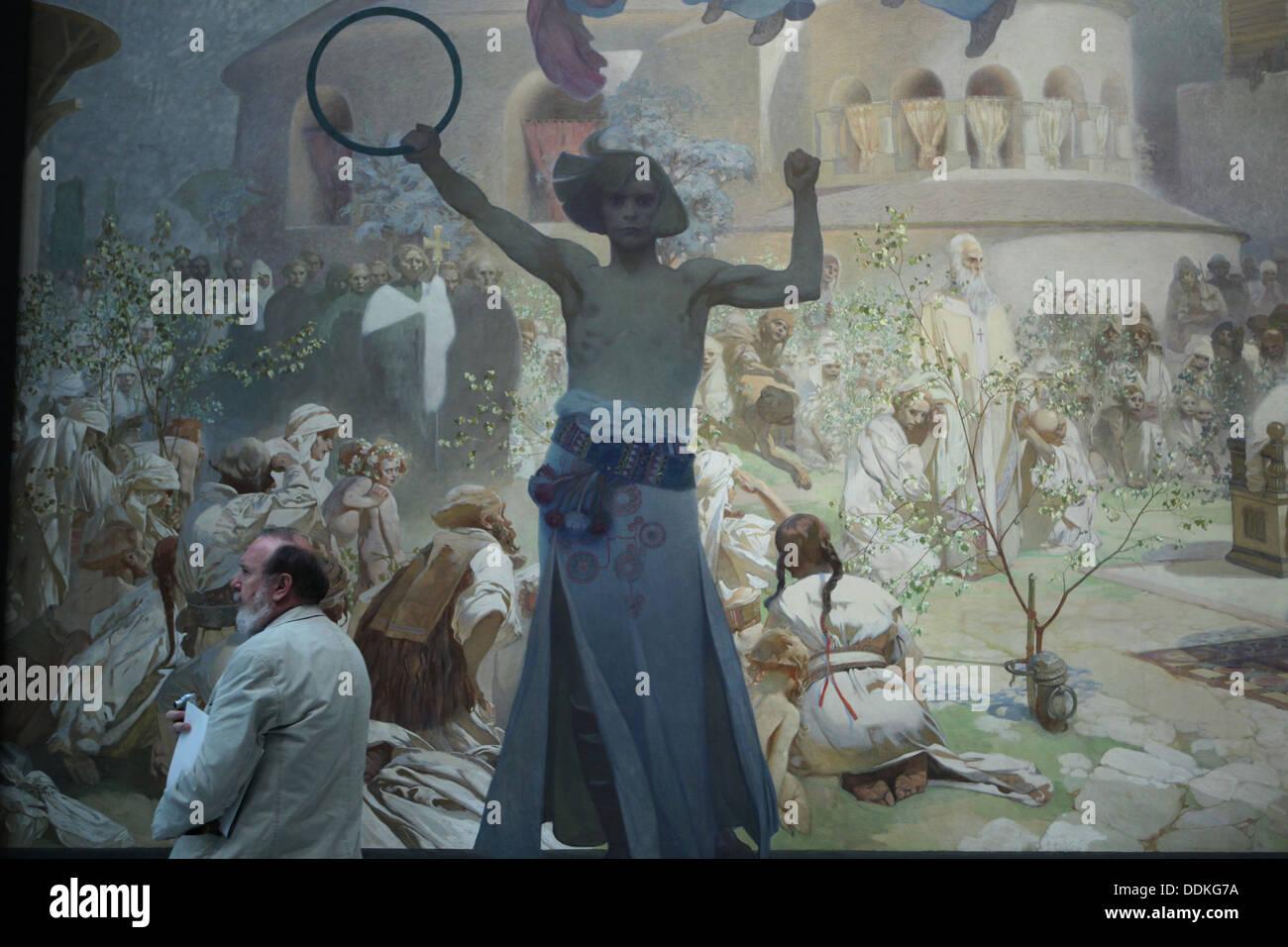 """Dipinto 'l'introduzione della liturgia slava nella Grande Moravia' dal ciclo """" slave """" epica dipinta da Alfons Mucha. Immagini Stock"""