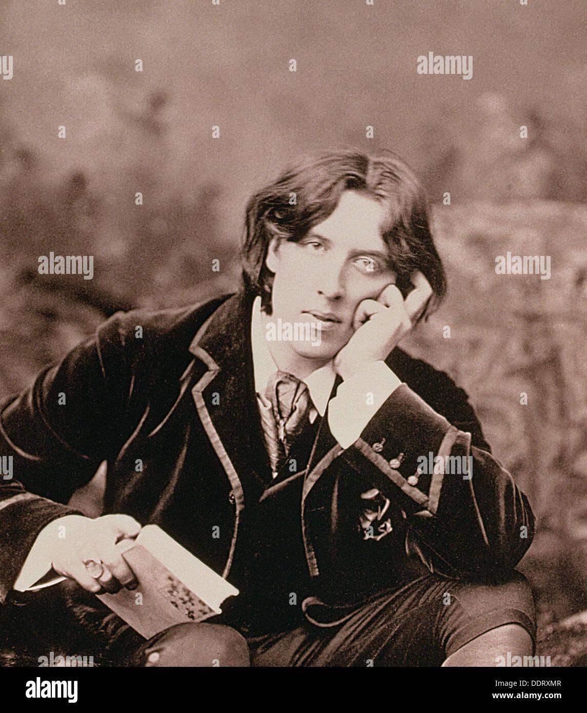 Oscar Wilde, irlandese nato il drammaturgo e scherzi, 1882. Artista: sconosciuto Immagini Stock