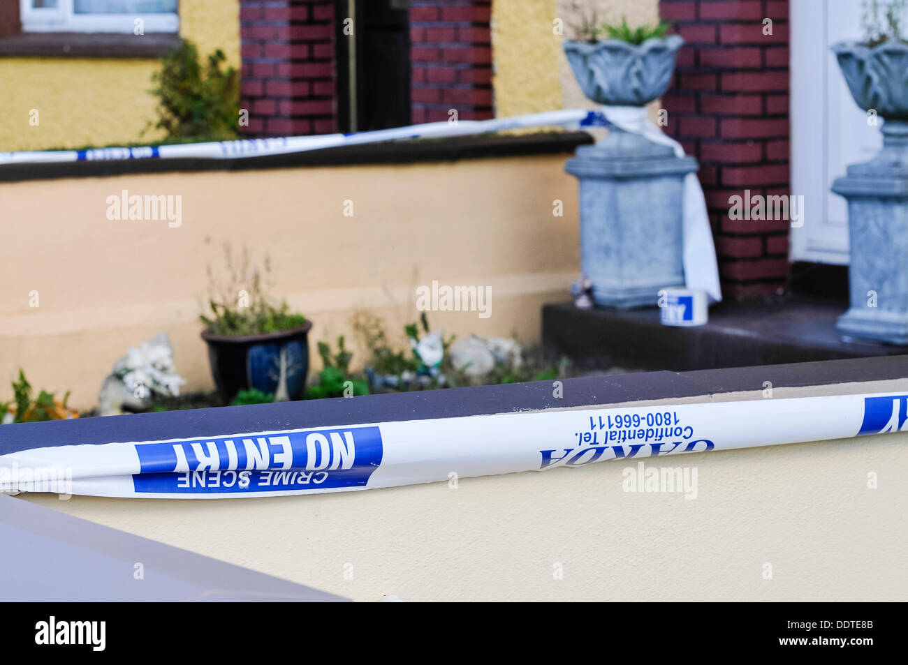 """Bailieborough, nella contea di Cavan, Repubblica di Irlanda, 6 settembre 2013 il nastro di polizia al di fuori della casa di 54 anno-vecchio Patricia Kierans dove il suo corpo è stato scoperto. Ella era stata """"violentemente assassinati' Credit: stephen Barnes/Alamy Live News Immagini Stock"""