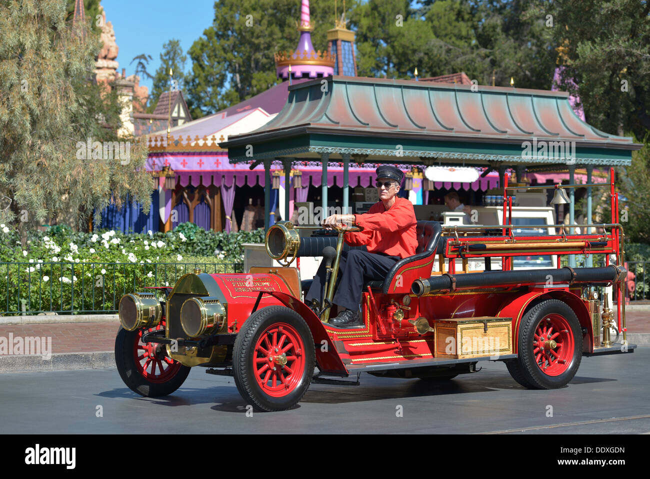 Disneyland, auto rossa, Fire Dept. Motore, Anaheim California Immagini Stock