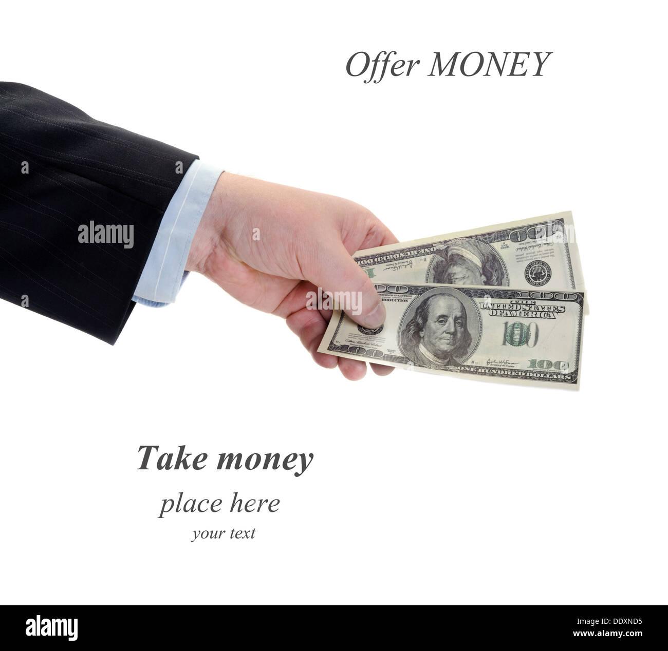 Un imprenditore offrono soldi in mano isolato su bianco Immagini Stock