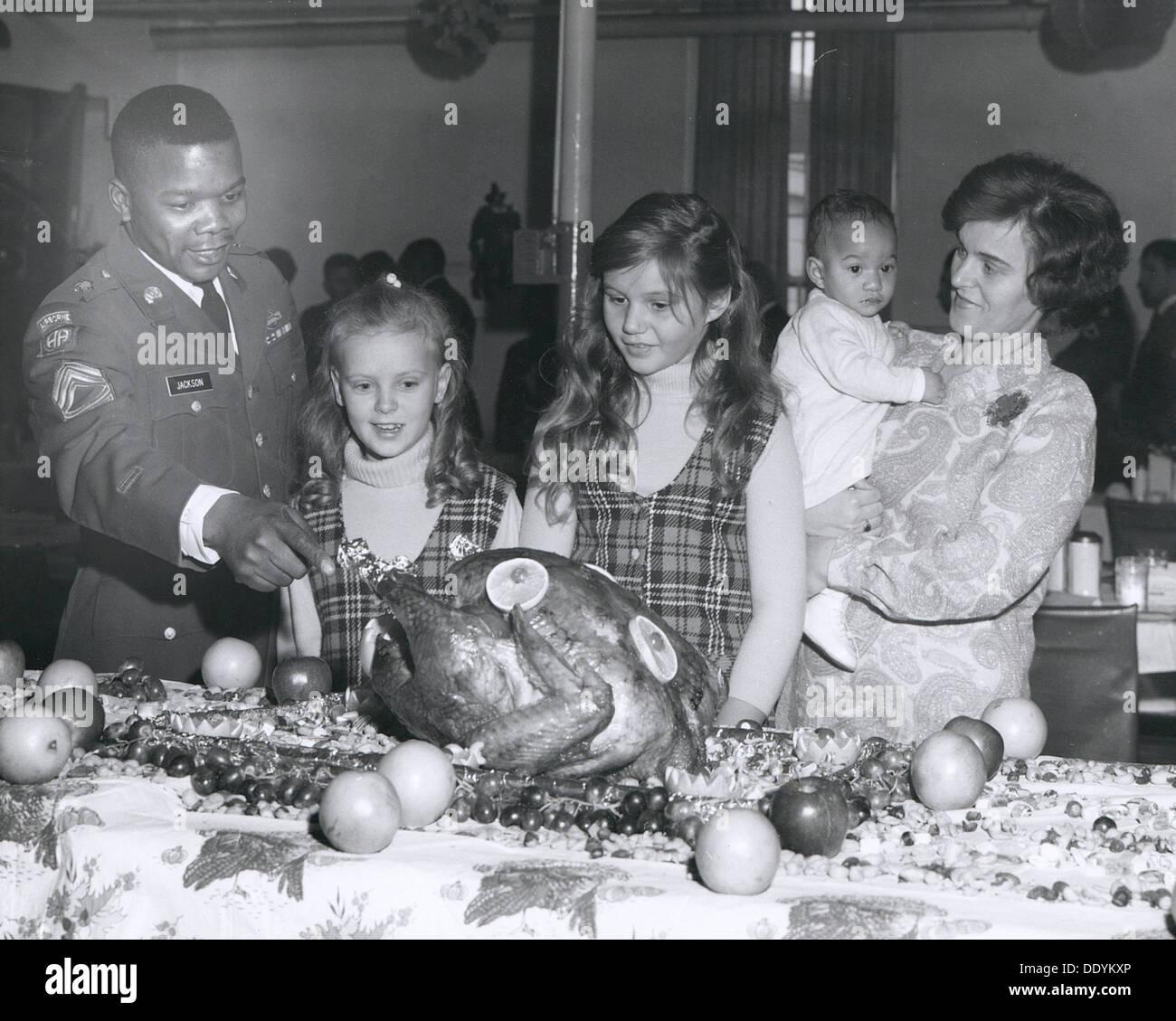 La Giornata del ringraziamento le celebrazioni nella confusione di consolidata, Fort Sheridan, Illinois, Stati Uniti d'America, 1969. Artista: SP5 bond Immagini Stock