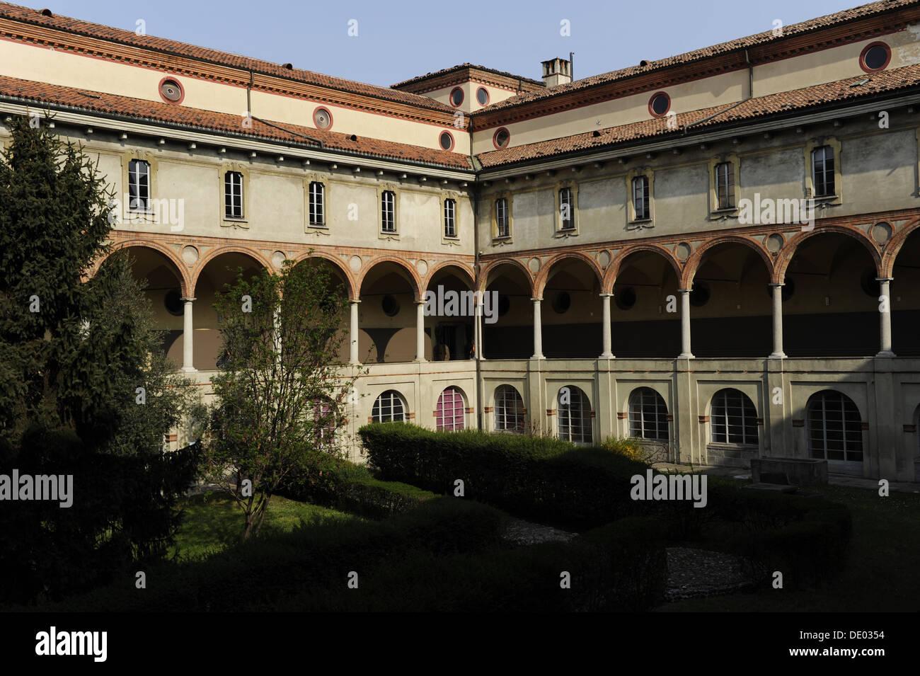Il Museo della Scienza e della Tecnologia Leonardo da Vinci. Antico monastero di San Vittore al Corpo. Chiostro. Milano. L'Italia. Immagini Stock