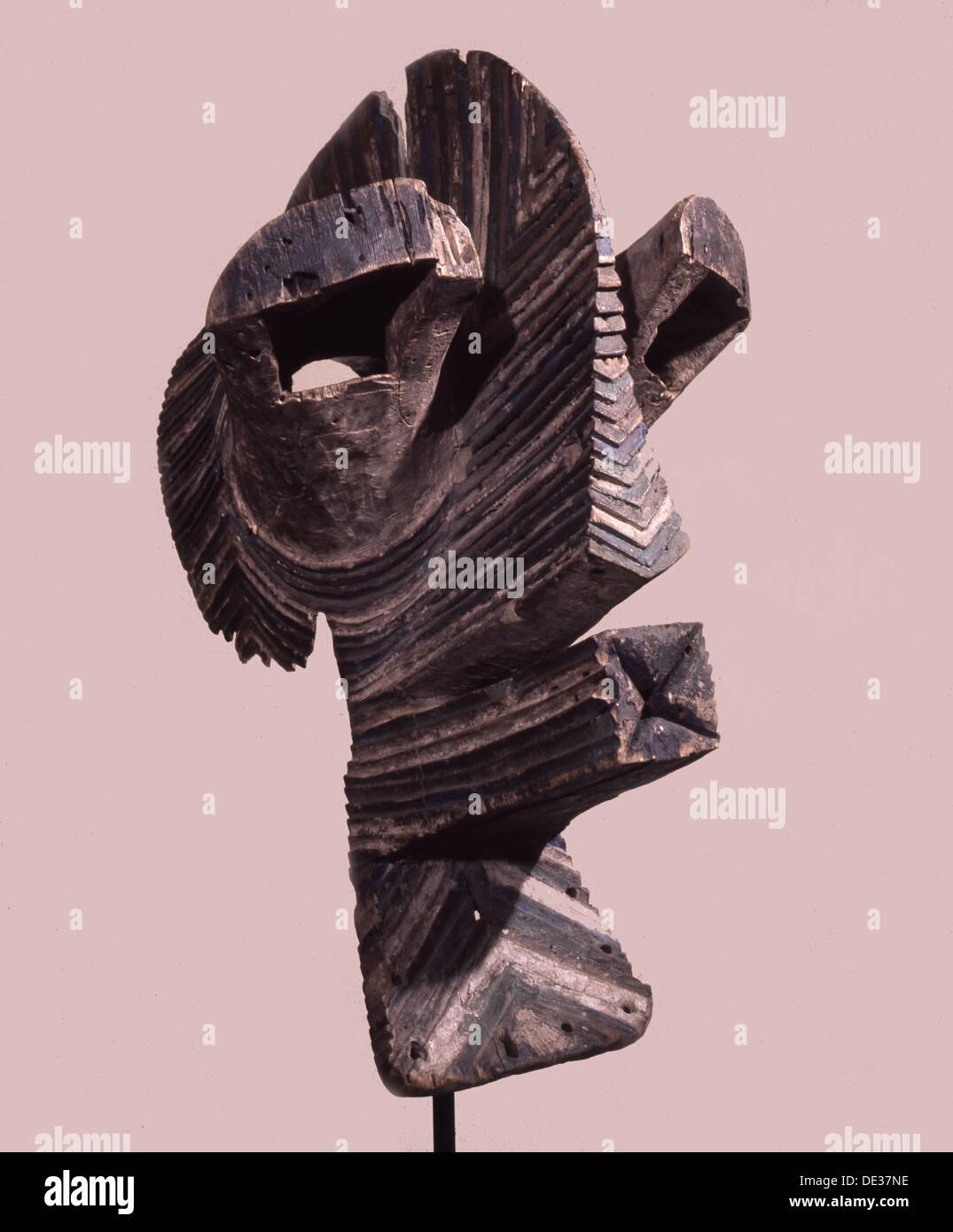 Maschere di tipo noto come Kifwebe sparsi in tutto il Songye e popoli vicini nel tardo XIX secolo C e inizio C20th. Immagini Stock