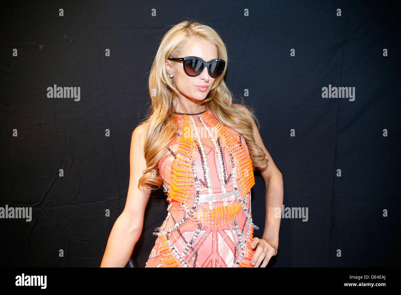 New York, NY, STATI UNITI D'AMERICA. Decimo Sep, 2013. Paris Hilton a MBFW in New York City. Credito: Scott Houston/Alamy Live News Immagini Stock