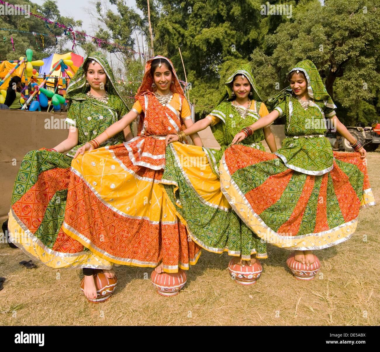 Tradizionale ballerini di Rajasthani. Immagini Stock