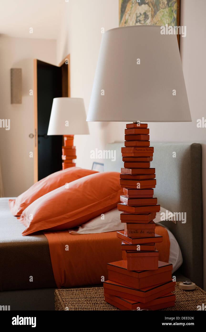 Camera da letto nella casa di Bruno e Dominique Lafourcade in Provenza Immagini Stock