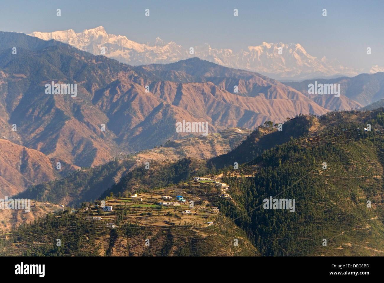 Gangotri montagne, Garwhal Himalaya, visto da di Mussoorie hill station Uttarakhand, India, Asia Immagini Stock