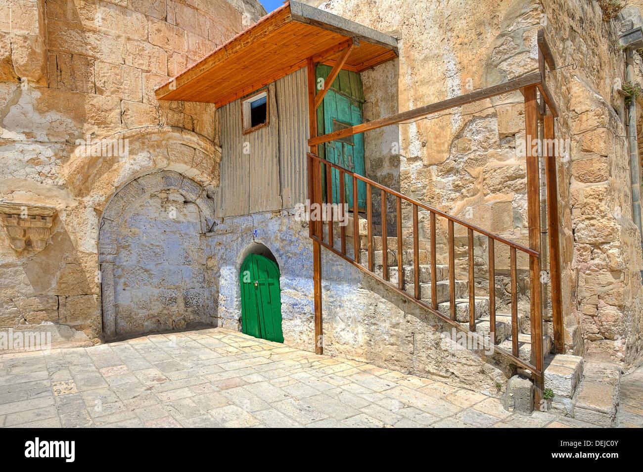Piccola cella della Chiesa Copta Ortodossa situato sul tetto della chiesa del Santo Sepolcro a Gerusalemme, Israele. Immagini Stock
