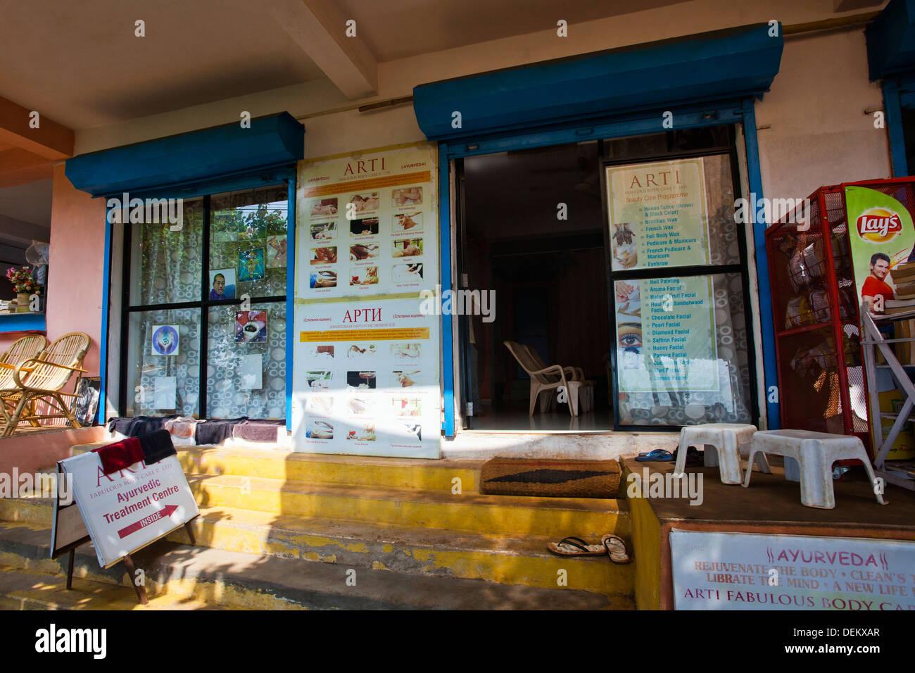 Il centro termale, Arti favolosa cura del corpo, Arambol, Goa nord, Goa, India Immagini Stock