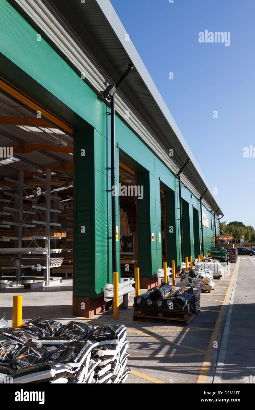 Aprire il magazzino veicolo con porte di accesso a costruttori di mercanti Immagini Stock