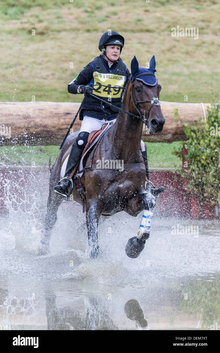 Katherine Coleman su Courage Under Fire a FBE 2013, Gatcombe Park Immagini Stock