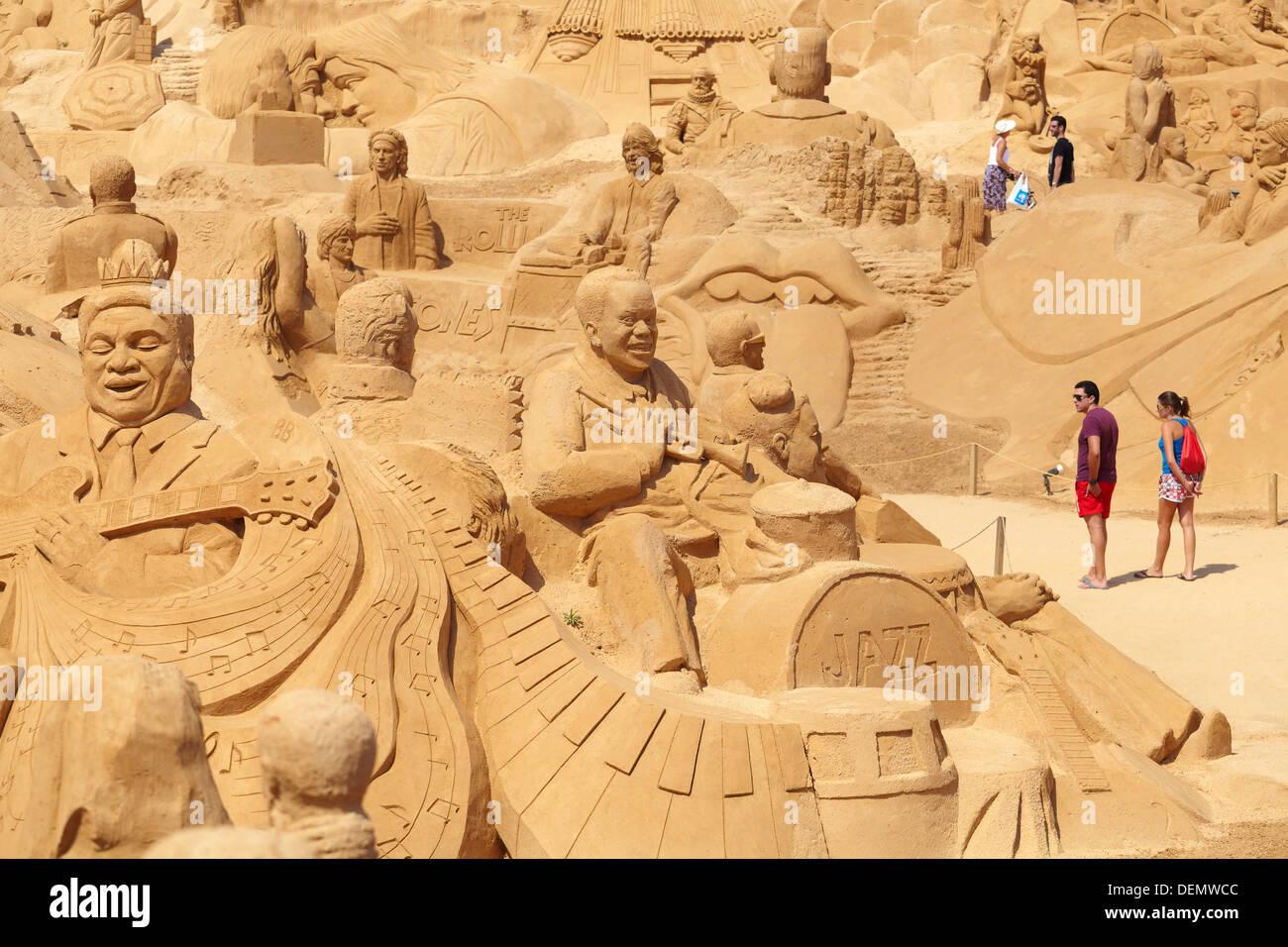 Le sculture di sabbia a 'Se Città 2013', pera, Algarve, PORTOGALLO Immagini Stock