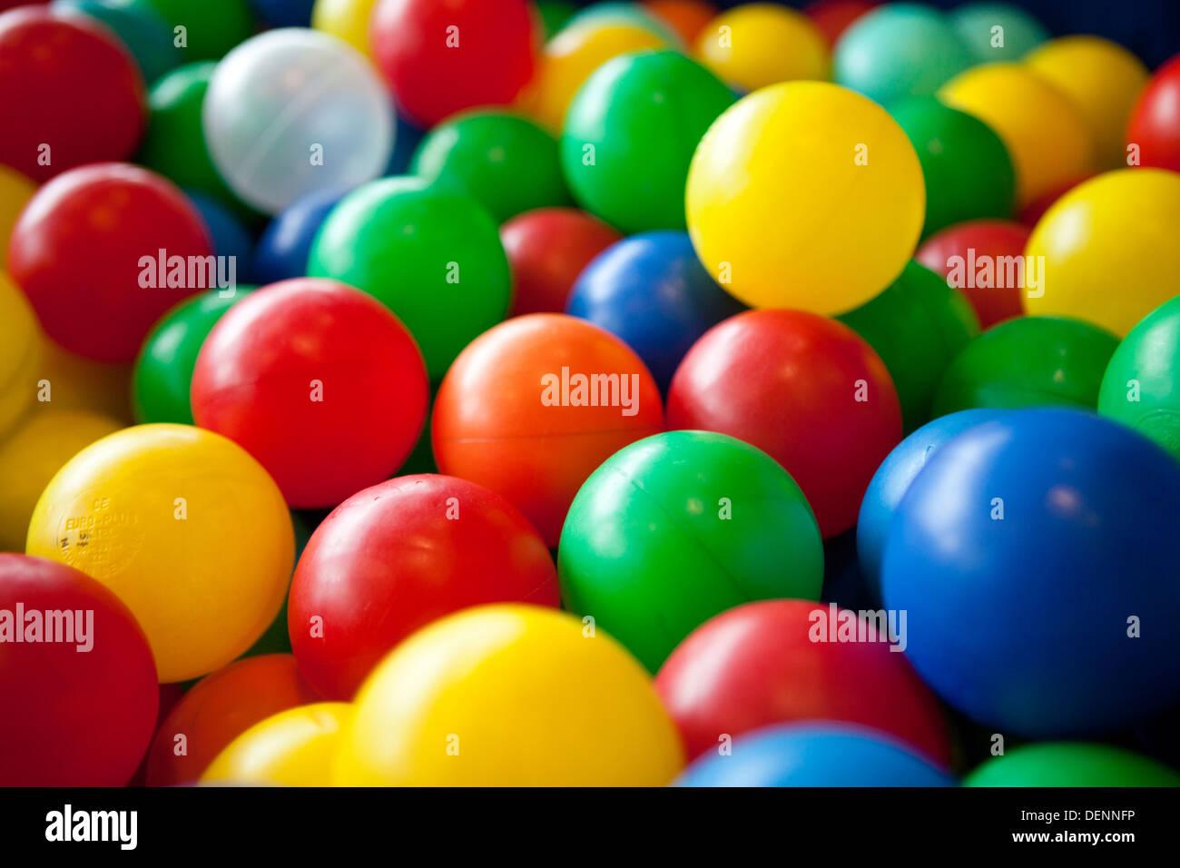 Bambini colorate palle morbide Immagini Stock