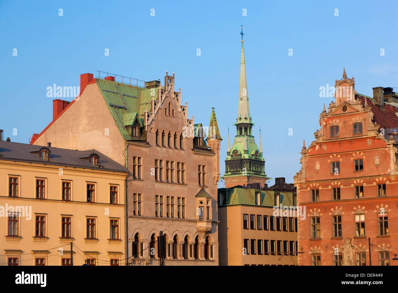 Città vecchia di edifici in nel distretto Gamla Stan di Stoccolma, Svezia. Immagini Stock