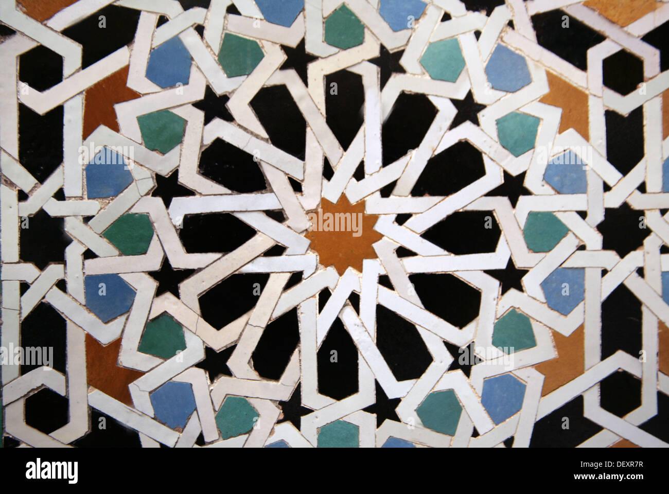 Zellige piastrelle ceramiche alla medersa attarine la fes il
