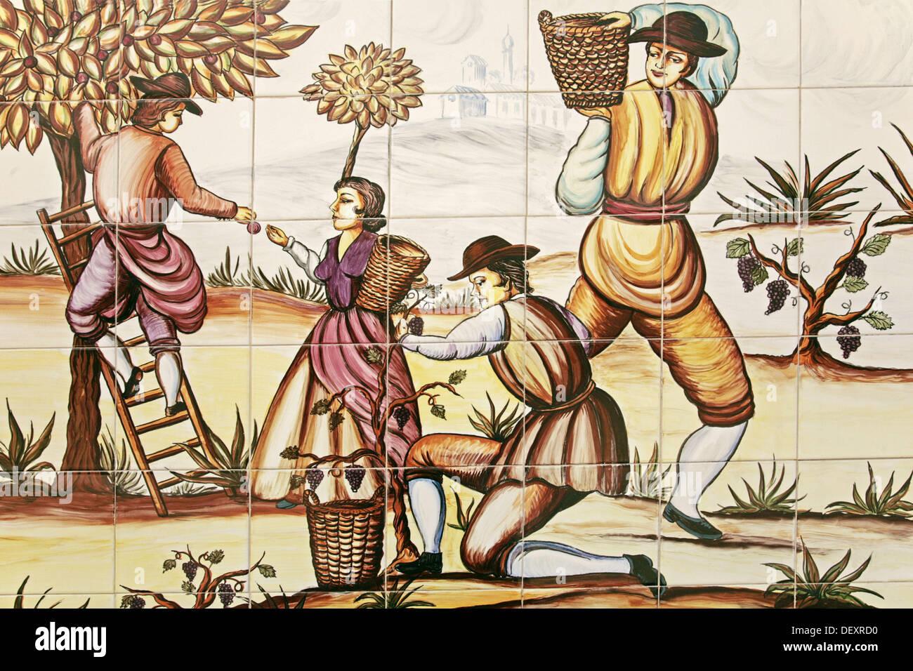 Pittura Su Piastrelle Di Ceramica : Pittura su piastrelle ceramiche in rappresentanza di fichi e uva da