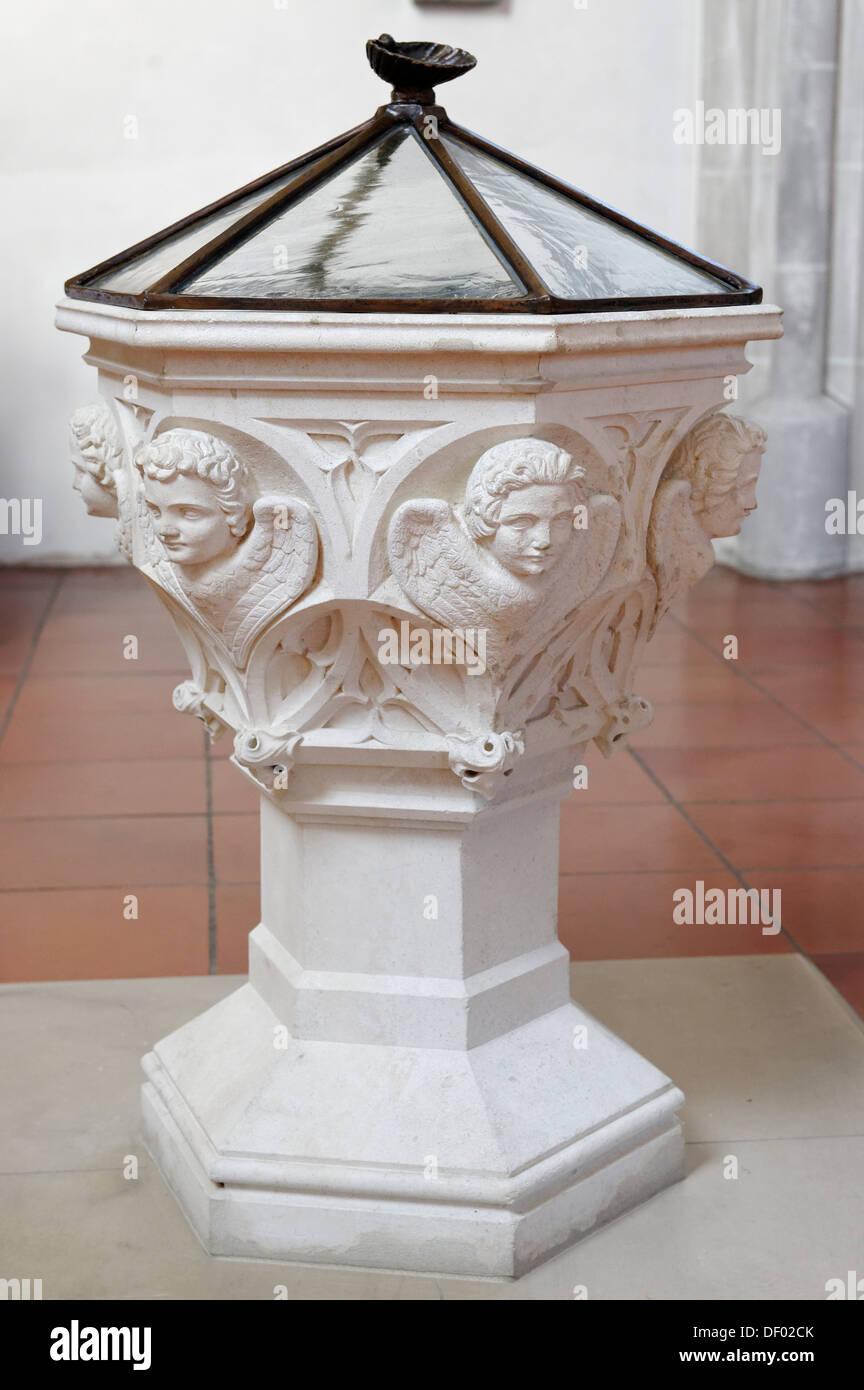 Fonte battesimale di Papa Benedetto XVI, la Chiesa Parrocchiale di San Osvaldo, Marktl, Alta Baviera, Baviera Immagini Stock