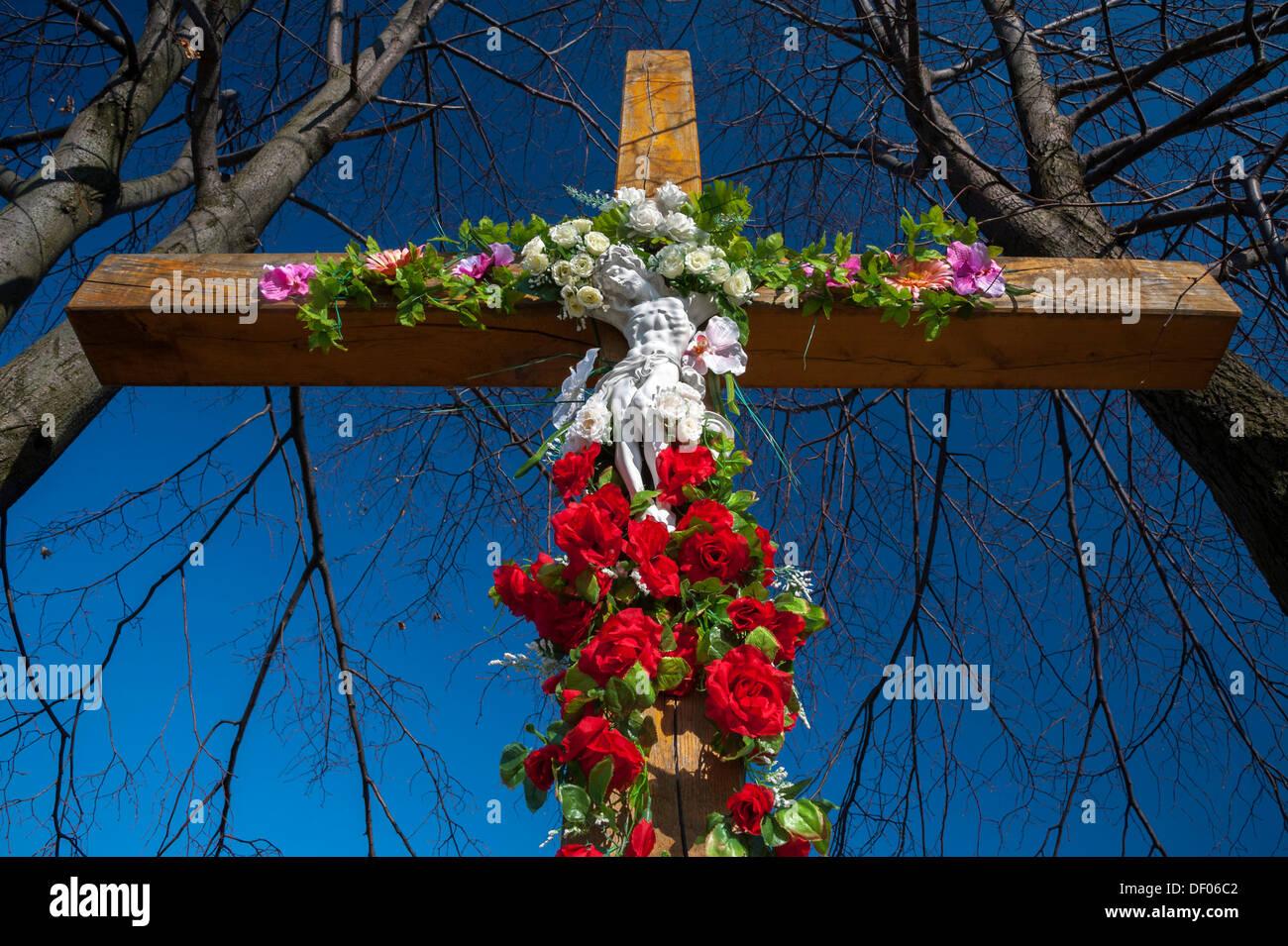Crocifisso Decorate Con Fiori A Tarnow Piccola Polonia Europa