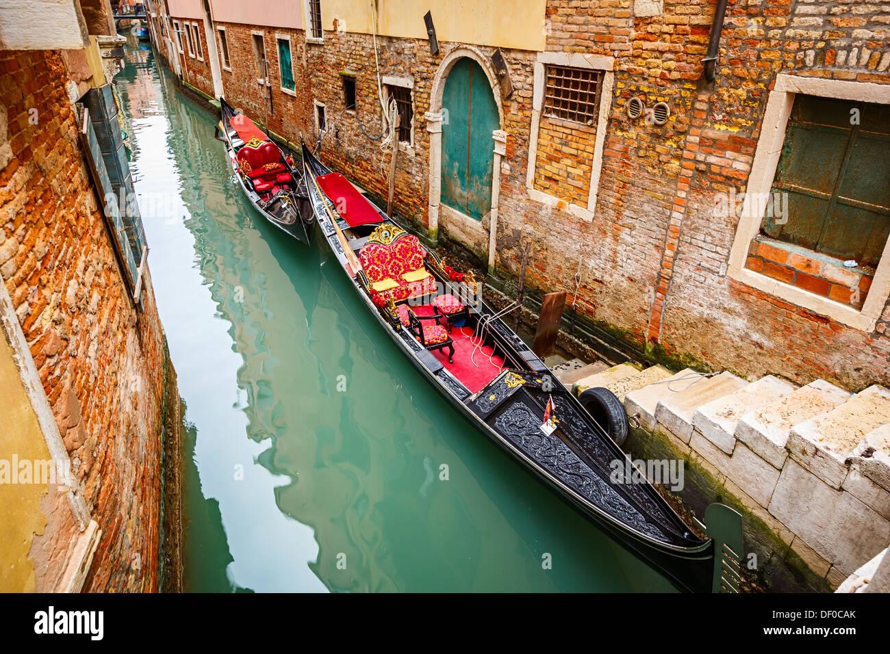 Gondole sul canale di Venezia Immagini Stock