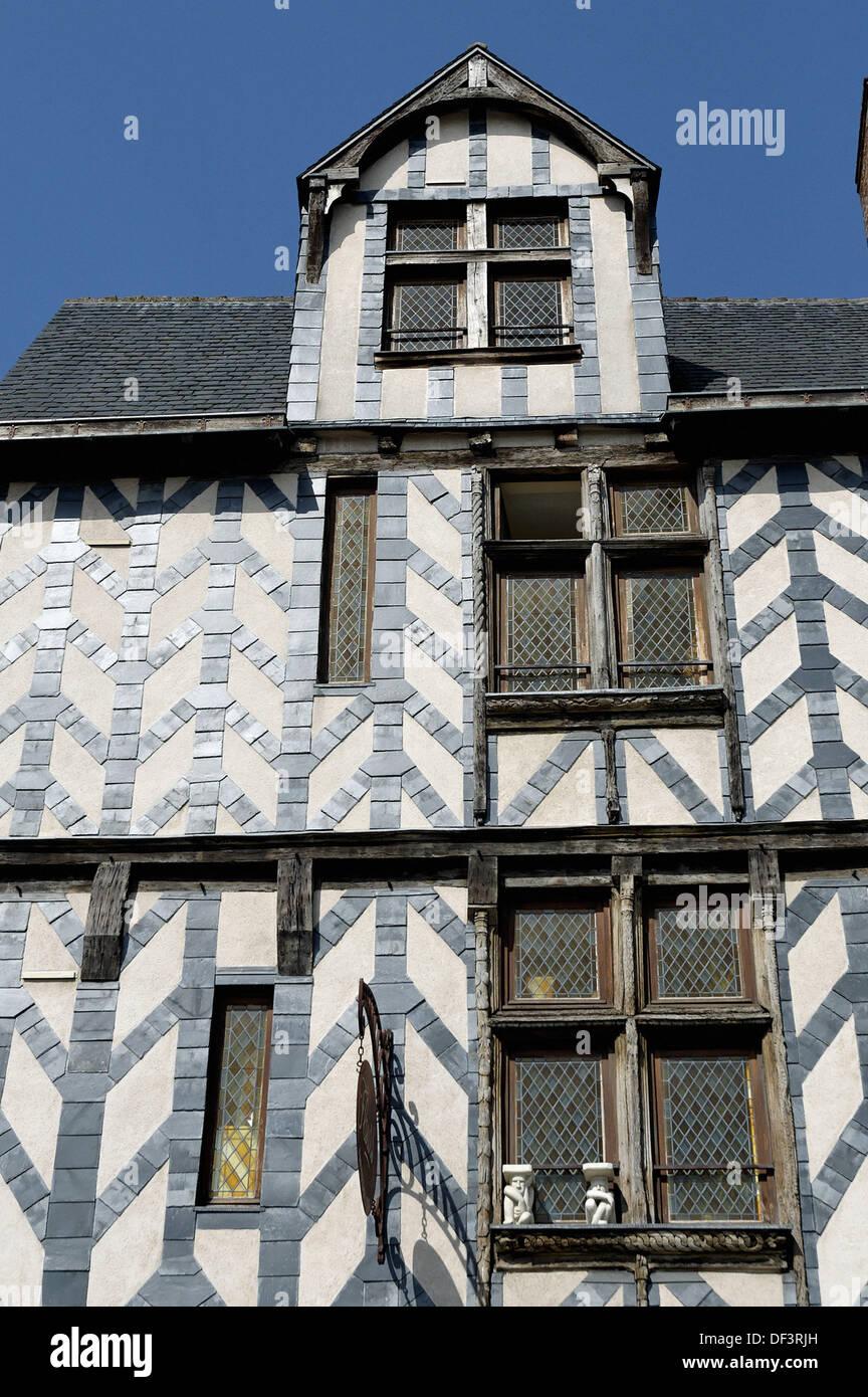 Woodframed e ardesia fronteggiata case dal Medio Evo. La città di La Rochelle. Porto fortificato e porto sull'Atlantico Immagini Stock