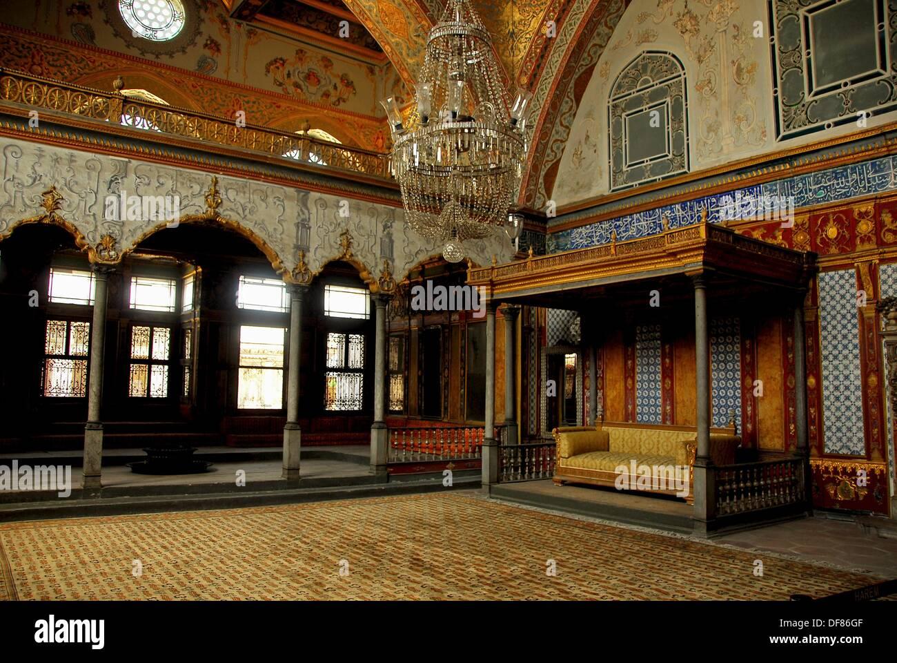 Il Divano Di Istanbul.Il Salone Imperiale Noto Anche Come Il Divano Imperiale Harem Il
