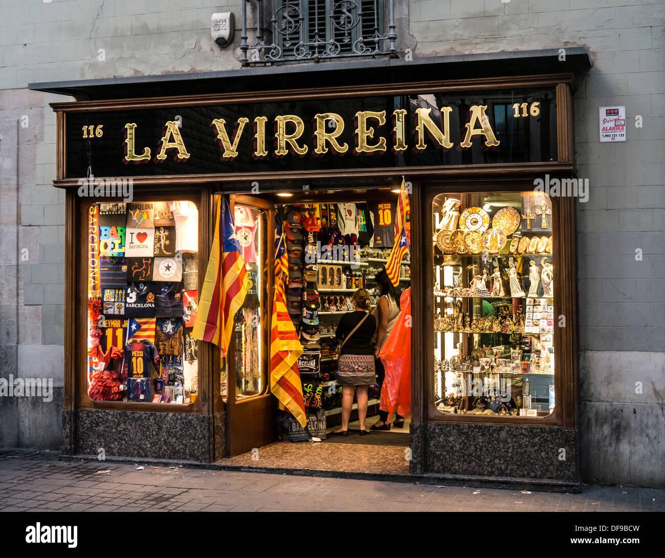 Piuttosto Regali di notte su La Rambla Barcelona Ramblas, Barcelona Immagini Stock