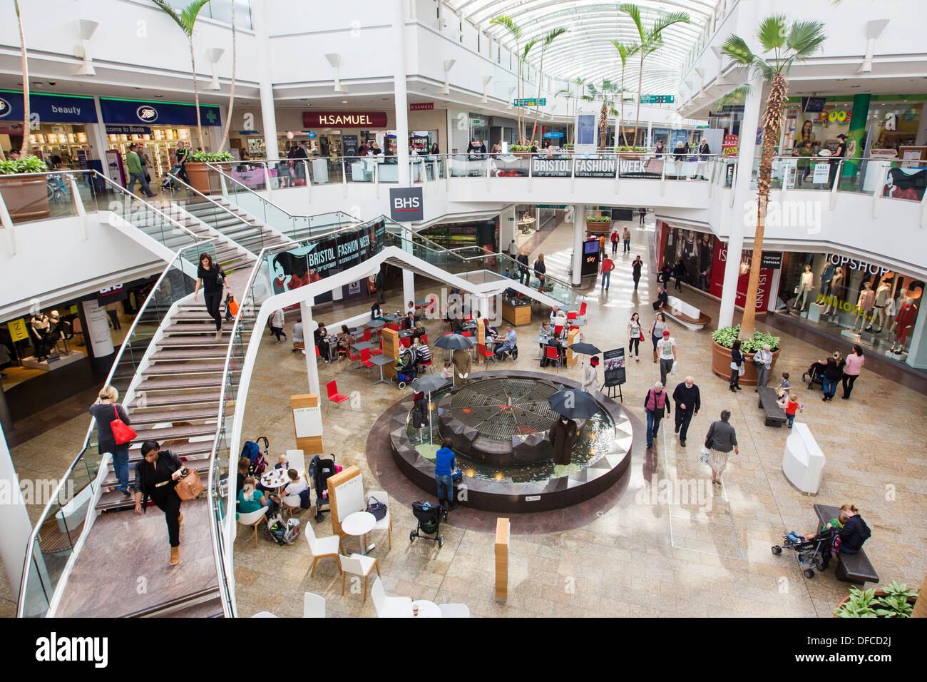 Bristol shopping mall in Regno Unito Inghilterra , Cribbs Causeway leisure retail centro commerciale chiamato The Mall. sud ovest Gloucestershire Immagini Stock