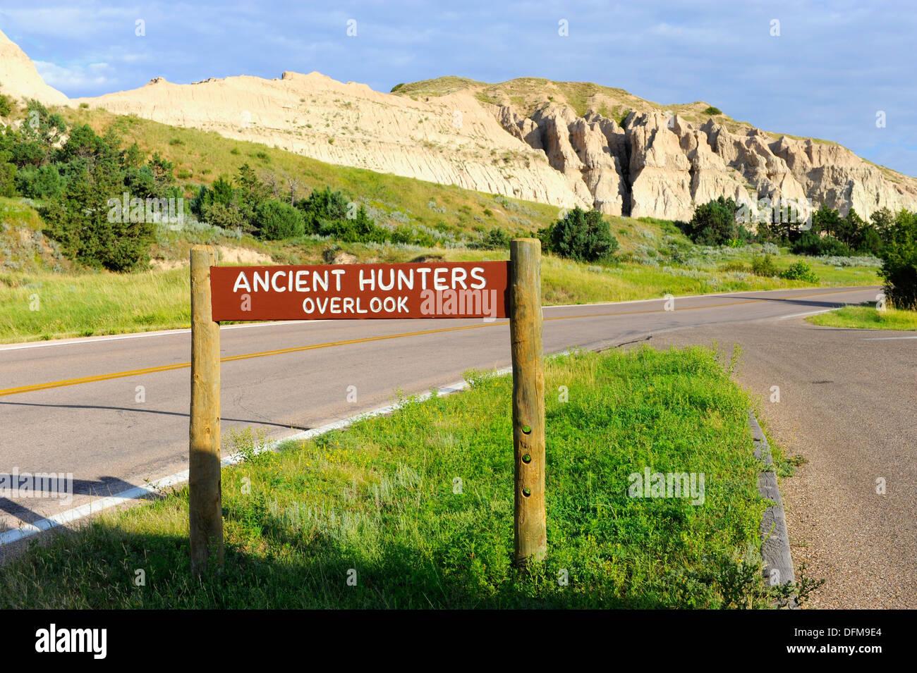 I cacciatori di antichi si affacciano sul Parco nazionale Badlands Dakota del Sud Immagini Stock
