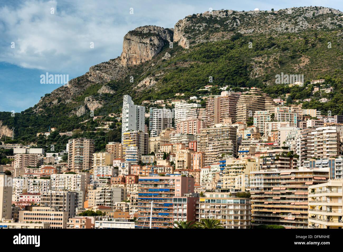 Vista verso ovest su Fontvieille dal Palazzo del Principe, il Principato di Monaco Immagini Stock