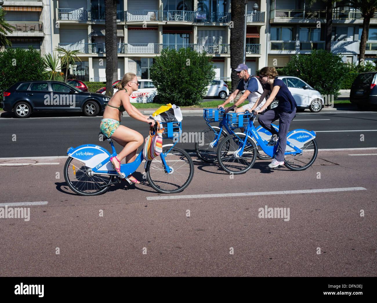 Possibilità di noleggio bici opportunità in Costa Azzurra includono il Velo Bleu sistema operante in città di Nizza. Immagini Stock
