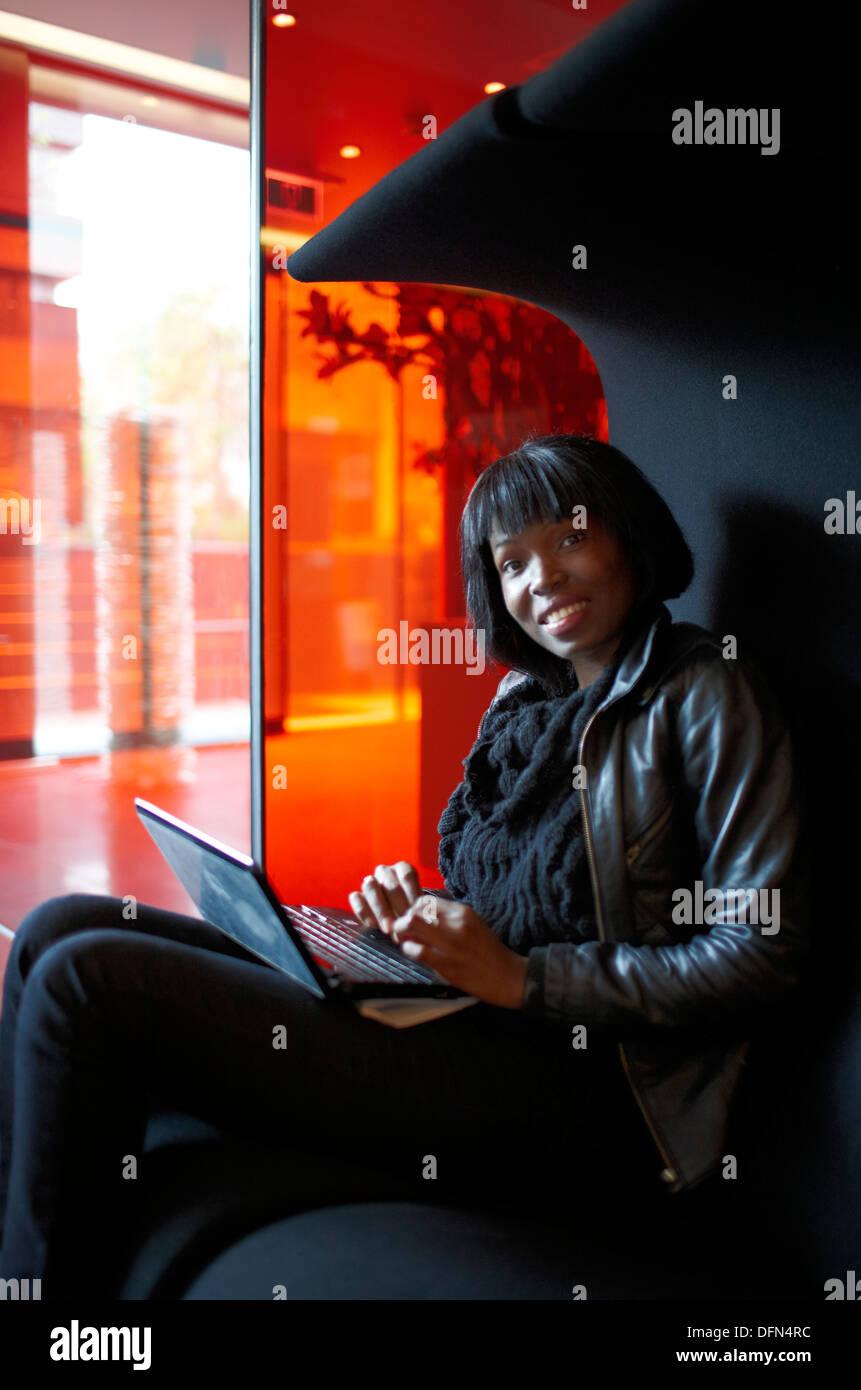 Valutazione nella Lobby, mobili di designer, cittadino M Hotel, Amsterdam, Paesi Bassi Immagini Stock