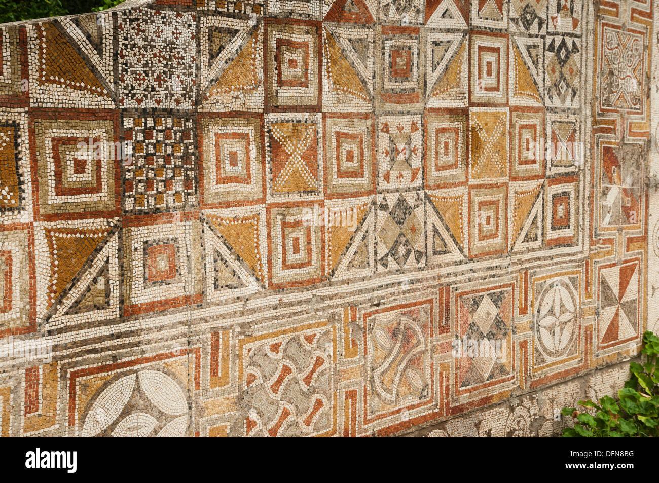 Muro romano di piastrelle a mosaico lavoro presso il museo di