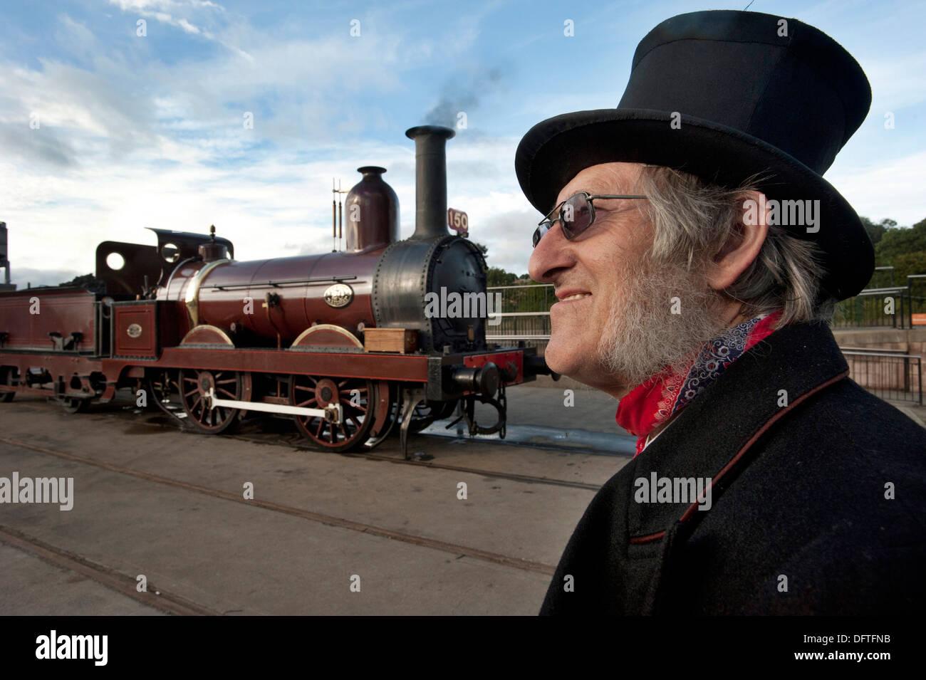 Motore a vapore driver nel periodo abito per 1860s Immagini Stock
