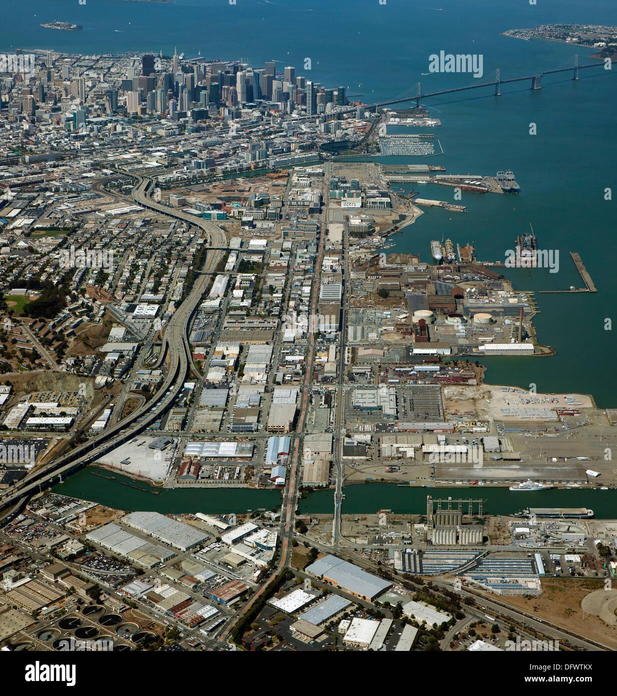 Fotografia aerea terza strada corridoio, Pier 70, Mission Bay, San Francisco in California Foto Stock