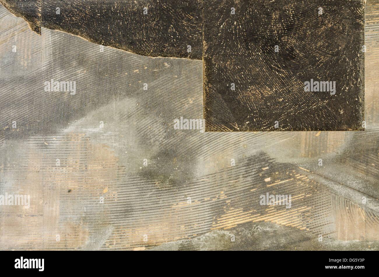 Rotture di vecchi pavimenti di piastrelle sfondo con moquette