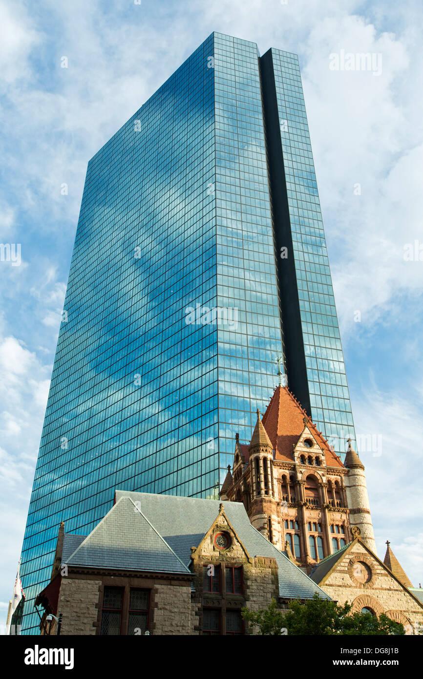 200 Clarenton, precedentemente noto come Hancock Tower e la Chiesa della Trinità, Copley Square, Boston, Massachusetts, STATI UNITI D'AMERICA Immagini Stock