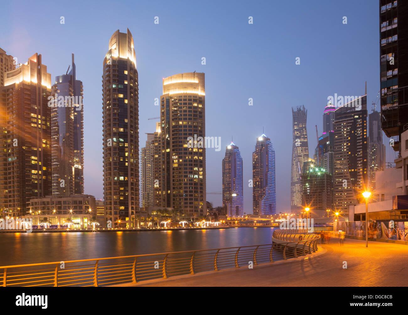 Grattacieli di Dubai Marina, Dubai, Emirati Arabi Uniti Foto Stock