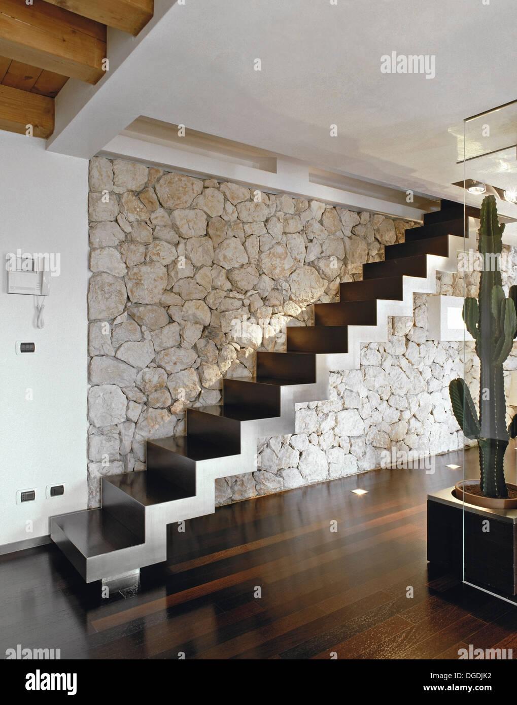 Scala in legno in stile minimalista , pavimenti in legno e ...