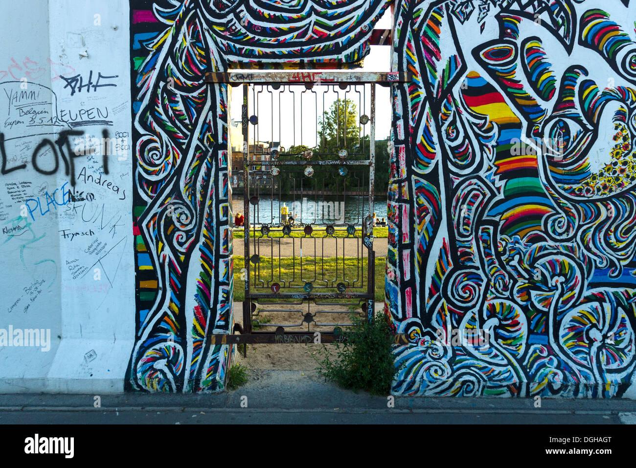 La East Side Gallery. Ohne Titel da Gamil Gimajew Immagini Stock