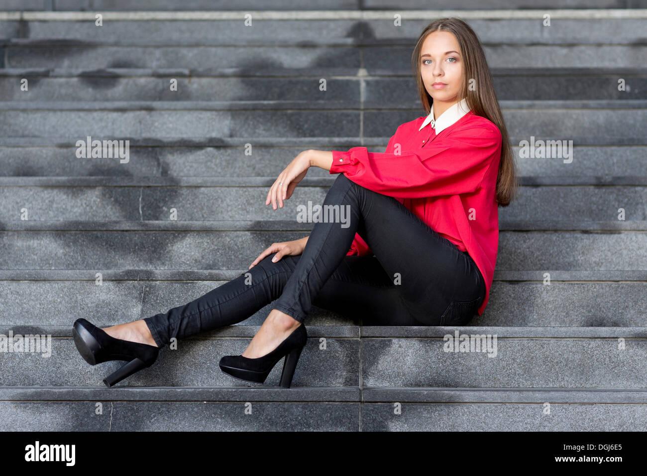 Woman Wearing Jeans High Heels Immagini & Woman Wearing