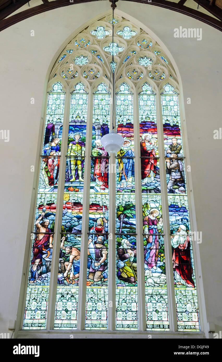 Le vetrate colorate, prima chiesa di Otago, una chiesa presbiteriana, in stile vittoriano cattedrale, Dunedin, Isola Immagini Stock