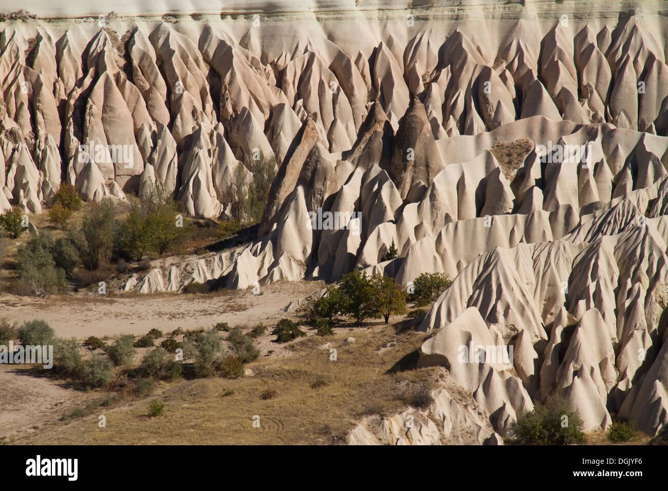 Strano paesaggi di pietra in Cappadocia, Turchia Immagini Stock