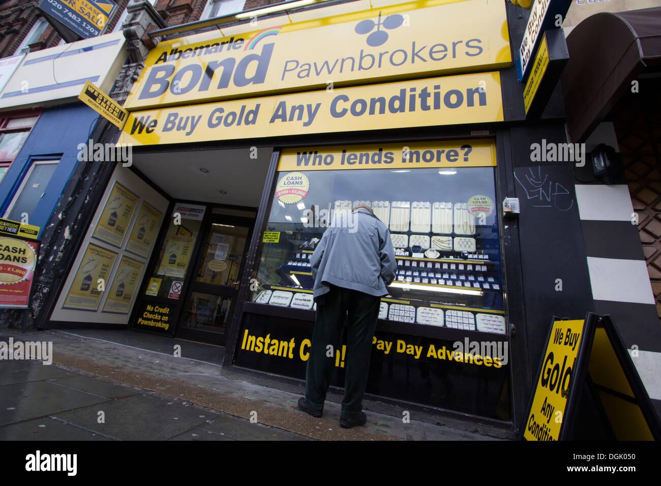 Albemarle Bond Shepherds Bush London, Albemarle legame sono la Gran Bretagna è più grande pawnbrokers e rivenditore di gioielli Immagini Stock