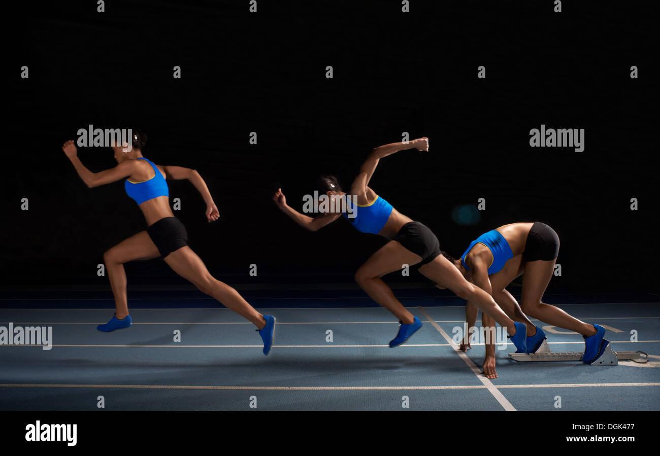Giovane atleta femminile gara di partenza, esposizione multipla Immagini Stock